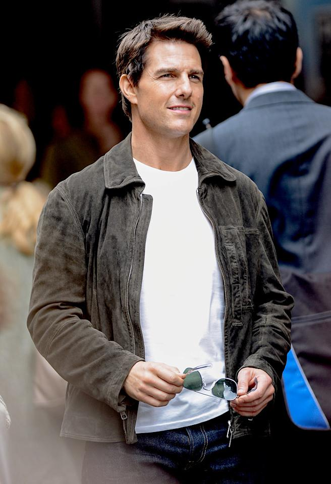 "NEW YORK, NY - JUNE 13:  Actor Tom Cruise films a scene at the ""Oblivion"" movie set at the Empire State Building on June 13, 2012 in New York City.  (Photo by Ray Tamarra/Getty Images)"