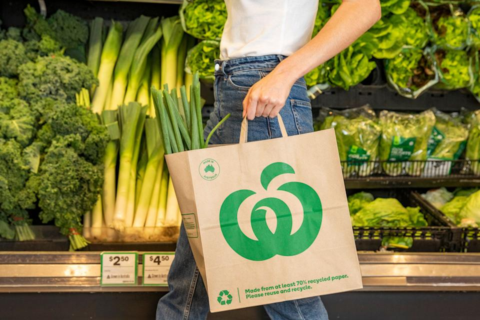 Woolworths has launched Australian-made paper bags in Victoria, Tasmania and WA supermarkets. Source: Supplied/Woolworths