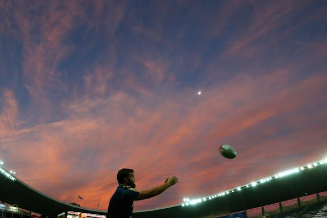 SYDNEY, AUSTRALIA - MARCH 18: Liam Coltman of the Highlanders practices lineout throws as he warms up ahead of the Super Rugby match between the New South Wales Waratahs and the Highlanders at Allianz Stadium on March 18, 2016 in Sydney, Australia. (Photo by Mark Kolbe/Getty Images)