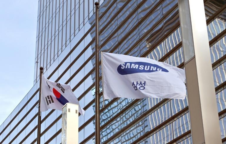 Samsung's mobile and chip businesses were boosted by US sanctions against its Chinese rival Huawei