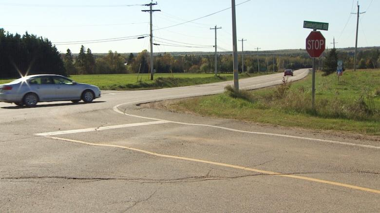 Car ran stop sign in fatal collision, say RCMP