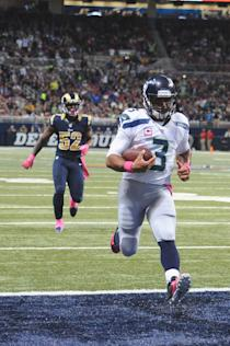 Russell Wilson's heroics weren't enough to keep Seattle from falling to 3-3. (Getty Images)