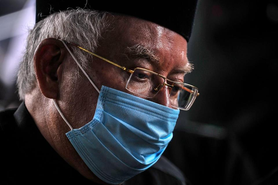 Former Prime Minister Datuk Seri Najib Tun Razak mocked the administration on Facebook, saying he could not sit idly by . — Bernama pic