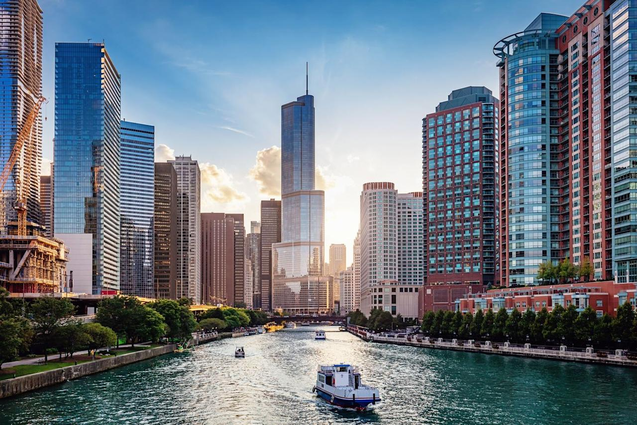 <p>Due to sanitation reasons, engineers used a reversal technique to divert sewage away from Lake Michigan's water supply.</p>