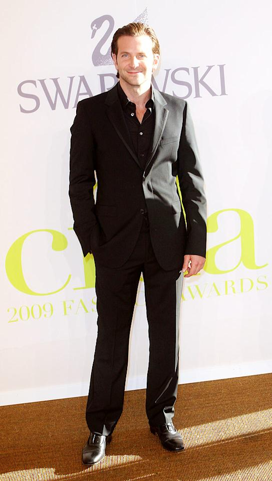 """Hangover"" star Bradley Cooper kept it simple yet sexy in a tailored black suit. Richie Buxo/<a href=""http://www.splashnewsonline.com"" target=""new"">Splash News</a> - June 15, 2009"