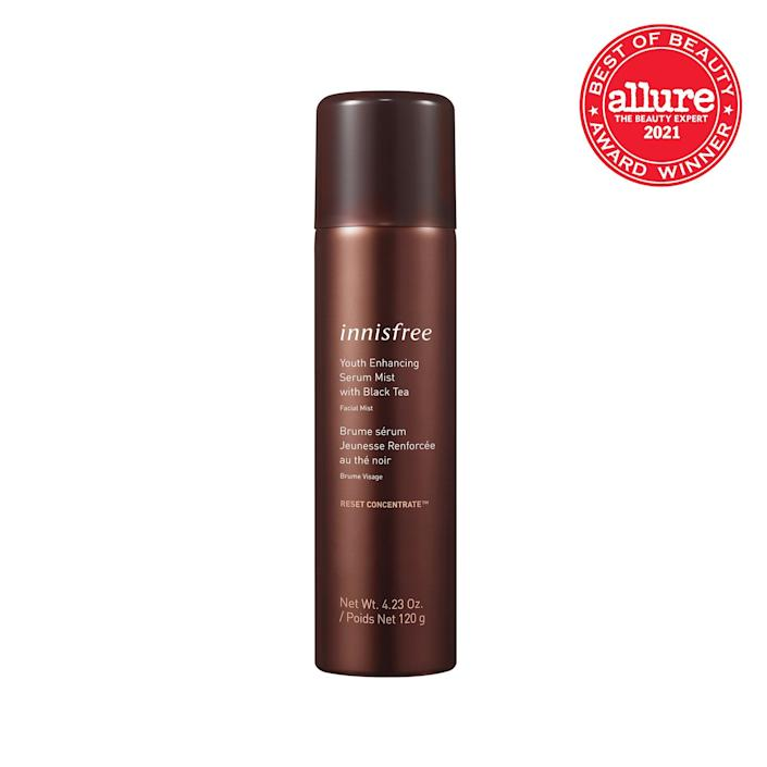 """Give your skin a <a href=""""https://www.allure.com/gallery/best-face-mists?mbid=synd_yahoo_rss"""" rel=""""nofollow noopener"""" target=""""_blank"""" data-ylk=""""slk:quick refresh"""" class=""""link rapid-noclick-resp"""">quick refresh</a> with the Innisfree Youth Enhancing Mist with Black Tea, which coats skin in a cooling wash of antioxidant-rich black tea, moisturizing panthenol, and brightening <a href=""""https://www.allure.com/story/what-is-niacinamide-skin-care-benefits?mbid=synd_yahoo_rss"""" rel=""""nofollow noopener"""" target=""""_blank"""" data-ylk=""""slk:niacinamide"""" class=""""link rapid-noclick-resp"""">niacinamide</a>. In other words, irritated skin isn't in your future as long as you have this ultra-airy mist by your side. The large, 4.23-ounce bottle also means you won't run out of the good stuff anytime soon."""