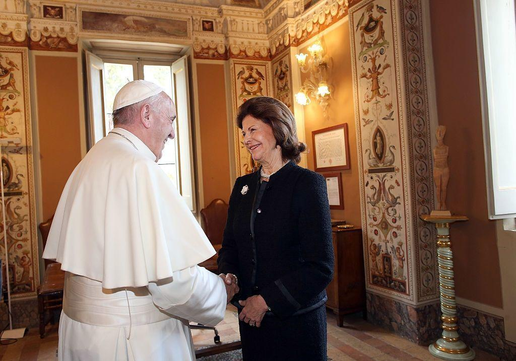 Yes, The Pope Has A Dress Code Even Presidents And Royals