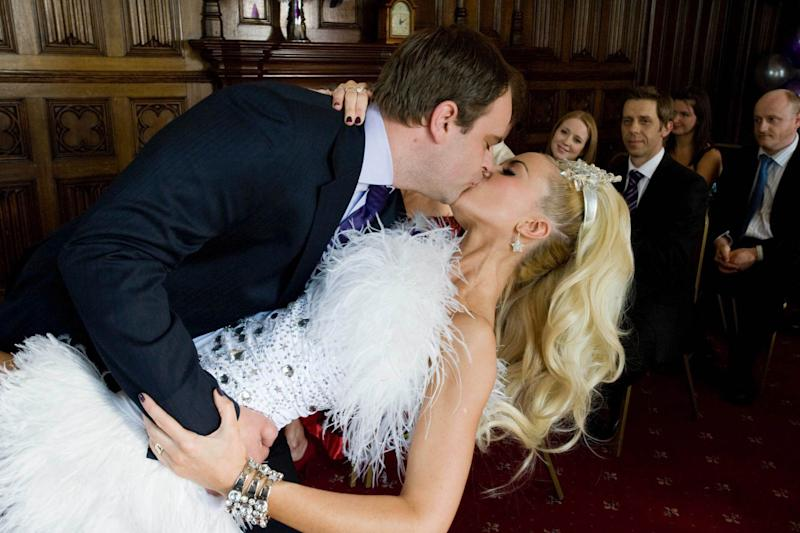 'Coronation Street' has not been able to feature kissing scenes since filming resumed. (ITV)