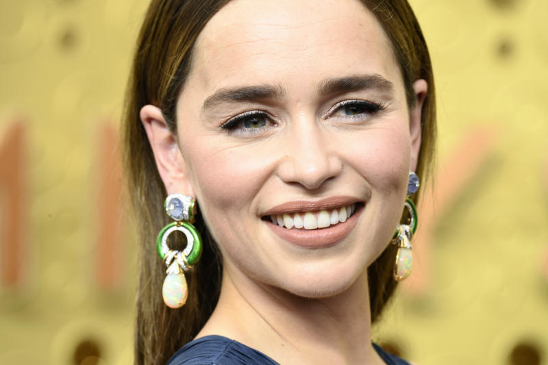The 'Game of Thrones' actress swears by this mascara for her classic beauty look. (Photo: Getty Images)