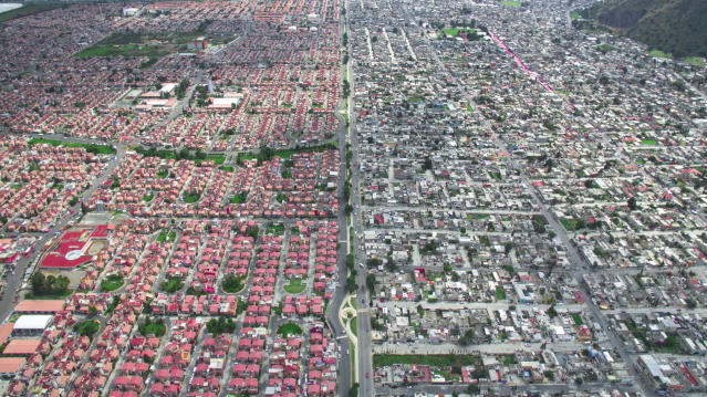 <p>Ixtapaluca, Mexico City, Mexico, 2016. (Photograph by Johnny Miller/Caters News) </p>