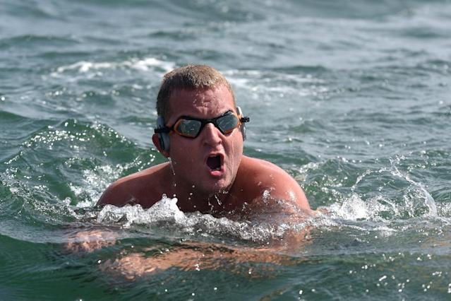 Ben Hooper will swim up to 10 hours a day for nearly five months in his attempt to cross the Atlantic (AFP Photo/Seyllou)