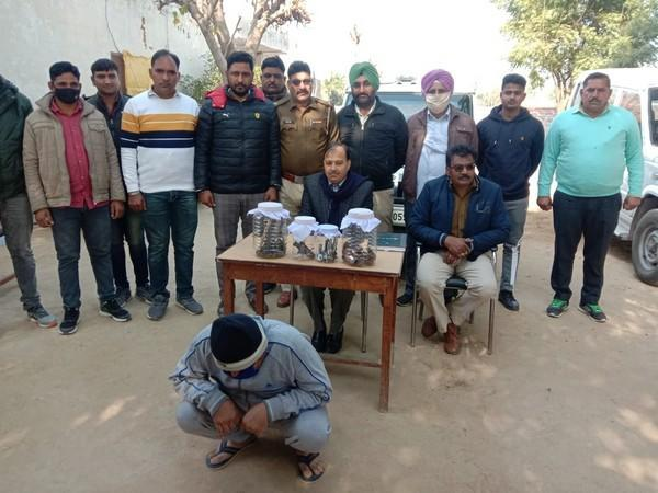 Haryana Police busts an illegal arms manufacturing unit in Uttar Pradesh (Photo: Twitter)