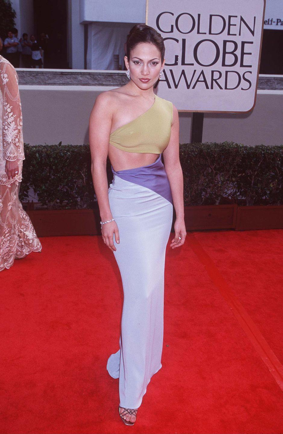 <p><strong>When: </strong>January 1998</p><p><strong>Where: </strong>The Golden Globes</p><p><strong>Wearing: </strong>An ab-baring colour-block gown</p>