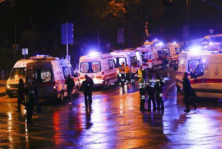 Police and ambulances arrive at the site of an explosion in central Istanbul, Turkey, December 10, 2016. REUTERS/Murad Sezer