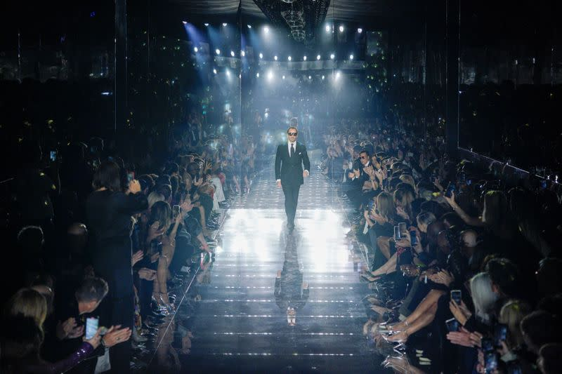 Tom Ford shows his sexy designs in Los Angeles on Oscar weekend
