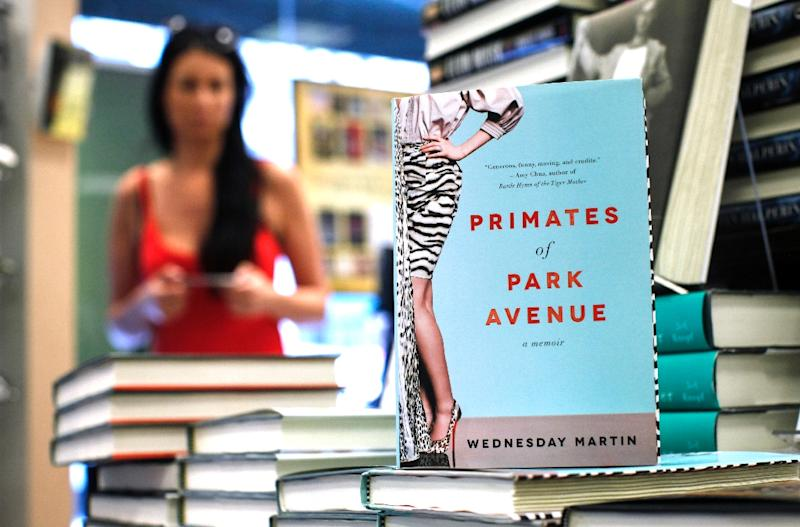 The Book 'Primates of Park Avenue,' an anthropological memoir of Manhattan motherhood by Wednesday Martin, is displayed at a book store on 5th Avenue in New York on June 9, 2015 (AFP Photo/Kena Betancur)