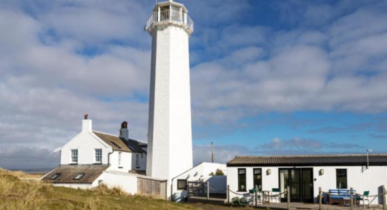 Lighthouse Cottage (One Off Places)