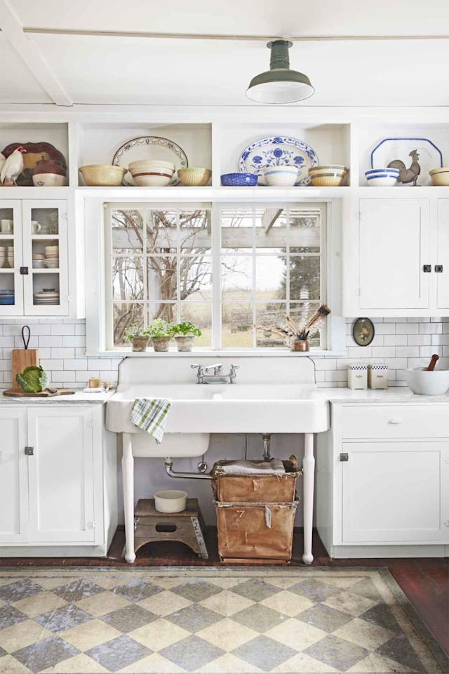 20 things vintage kitchens had that today 39 s kitchens don 39 t for Country style kitchen singapore