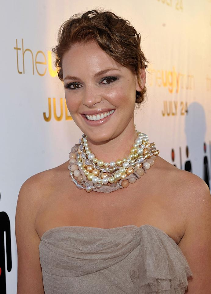"""<a href=""""http://movies.yahoo.com/movie/contributor/1800018759"""">Katherine Heigl</a> at the Los Angeles premiere of <a href=""""http://movies.yahoo.com/movie/1810021980/info"""">The Ugly Truth</a> - 07/16/2009"""