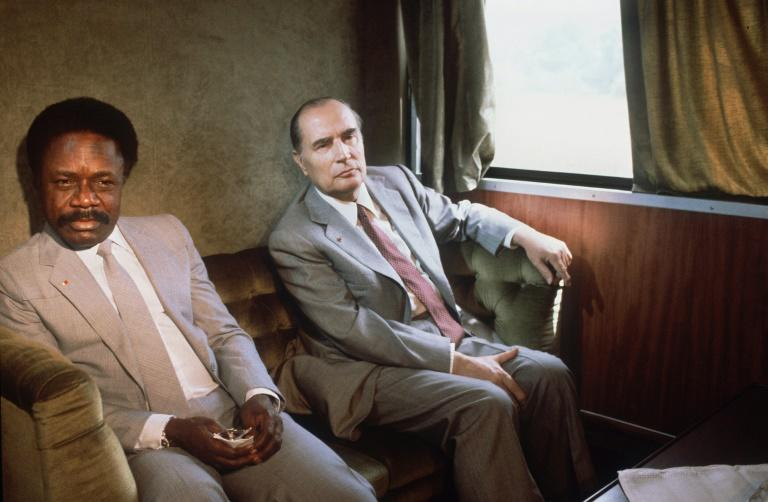 Omar Bongo and former French president Francois Mitterrand on the Transgabonais in January 1983 (AFP Photo/STF)