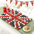 """<p>This cupcake union jack isn't that difficult to make but it certainly looks royally magnificent. <i><a href=""""https://uk.pinterest.com/pin/375346950163979823/"""" rel=""""nofollow noopener"""" target=""""_blank"""" data-ylk=""""slk:[Photo: Pinterest]"""" class=""""link rapid-noclick-resp"""">[Photo: Pinterest]</a></i></p>"""