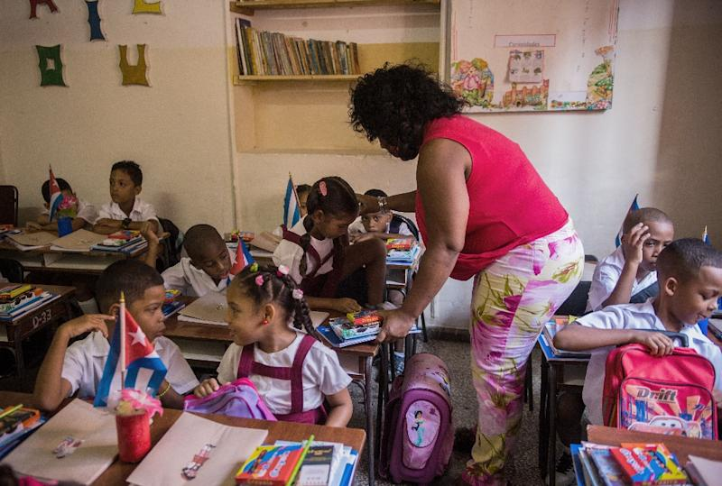 Teaching the English language in Cuban schools becomes essential since contact between Cuba and other English speaking countries is expected to increase