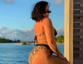Demi Lovato posts unedited bikini picture, conquers her biggest fear