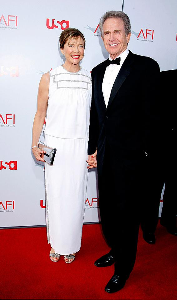 """The evening's honoree Warren Beatty and his adorable wife Annette Bening look regal in their stylish and sophisticated outfits. Jeffrey Mayer/<a href=""""http://www.wireimage.com"""" target=""""new"""">WireImage.com</a> - June 12, 2008"""