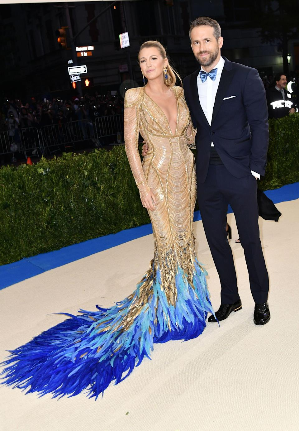 """<h1 class=""""title"""">Blake Lively in Atelier Versace and Lorraine Schwartz jewelry and Ryan Reynolds</h1> <cite class=""""credit"""">Photo: Shutterstock</cite>"""