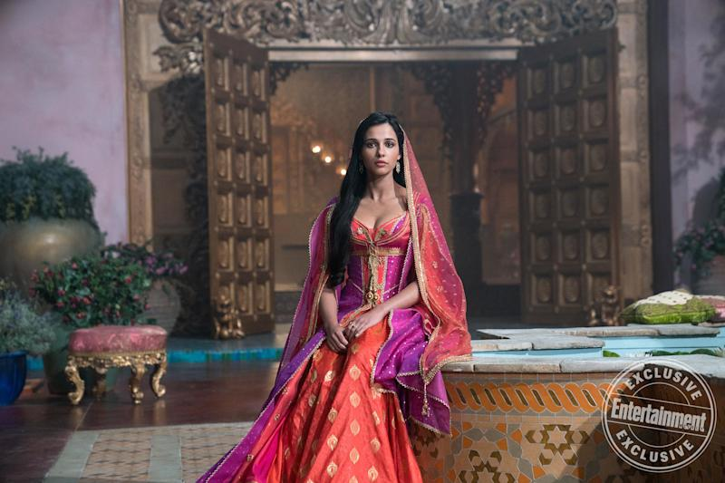 Aladdin Star Naomi Scott Breaks Down Princess Jasmines Revamped Turquoise Outfit And Whole New Wardrobe