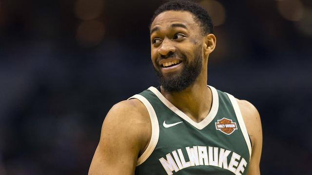 On CBS Sports HQ, NBA writer Brad Botkin joins Casey Keirnan to discuss Parker's move from the Bucks to the Bulls.