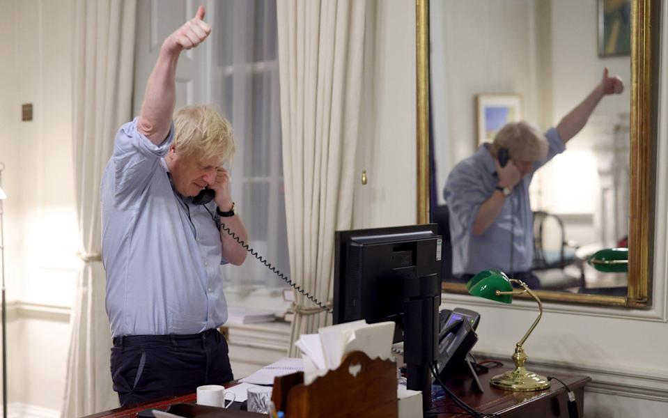 Boris gives a thumbs up - Andrew Parsons / No10 Downing Street