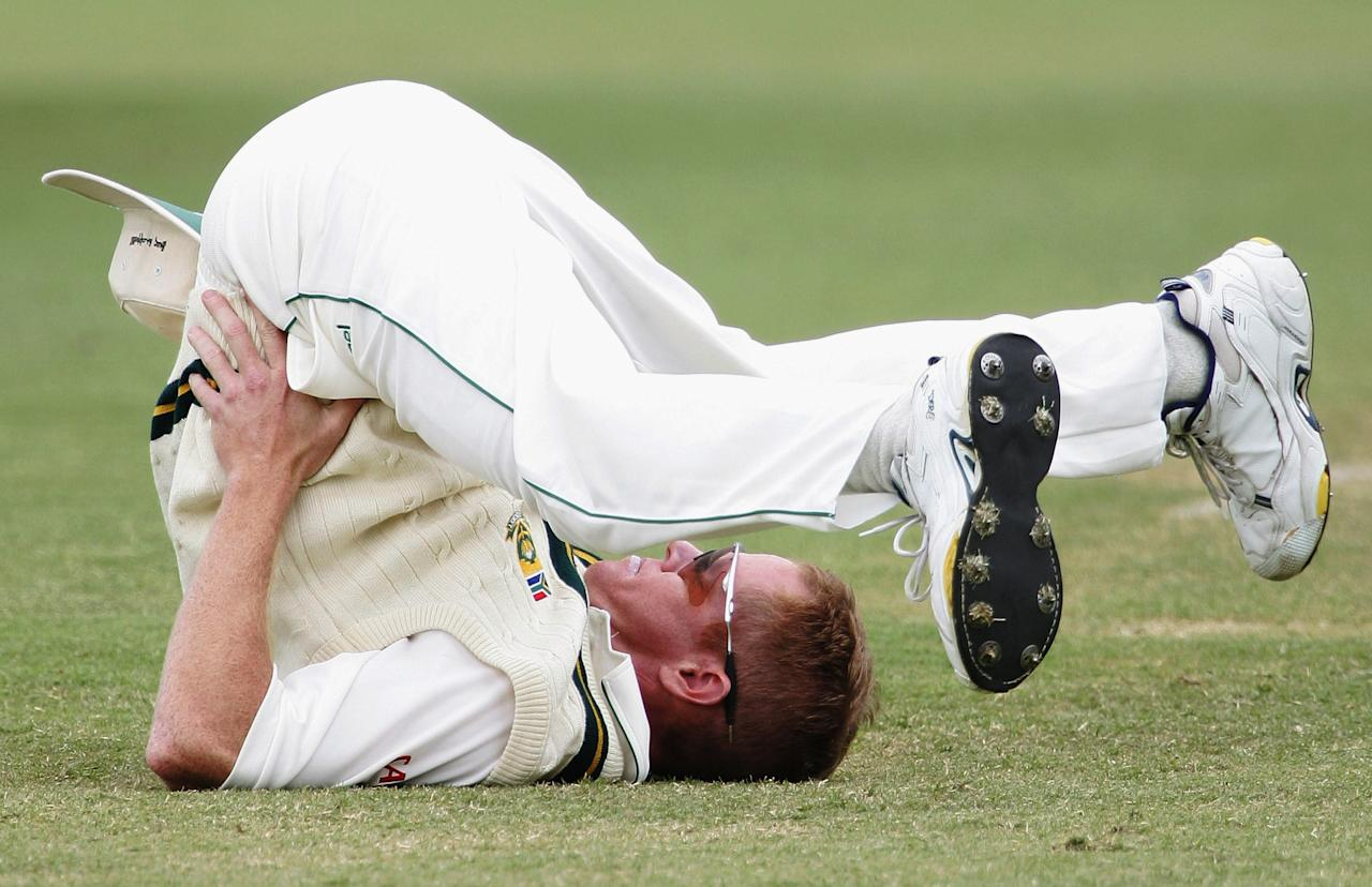 PERTH, AUSTRALIA - DECEMBER 06:  Shaun Pollock of South Africa limbers up during the tour match between Western Australia and South Africa at the WACA December 6, 2005 in Perth, Australia.  (Photo by Paul Kane/Getty Images)