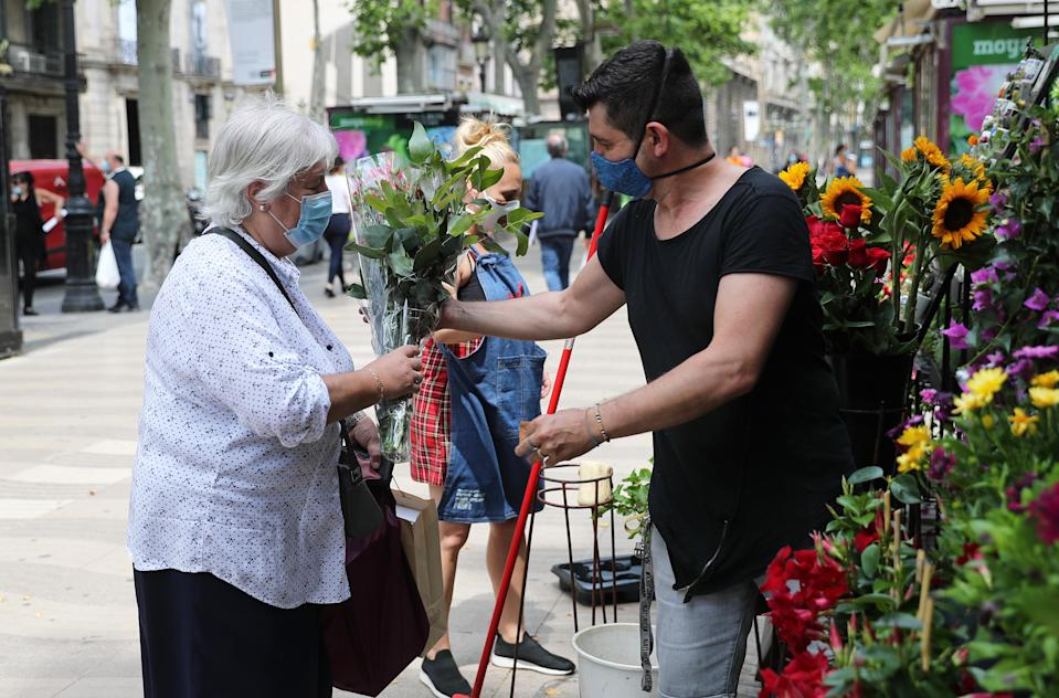 The traditional flower shops of Las Ramblas open with the phase 1 of the deconfinement in Barcelona, on 25th May 2020. (Photo by Joan Valls/Urbanandsport /NurPhoto via Getty Images)