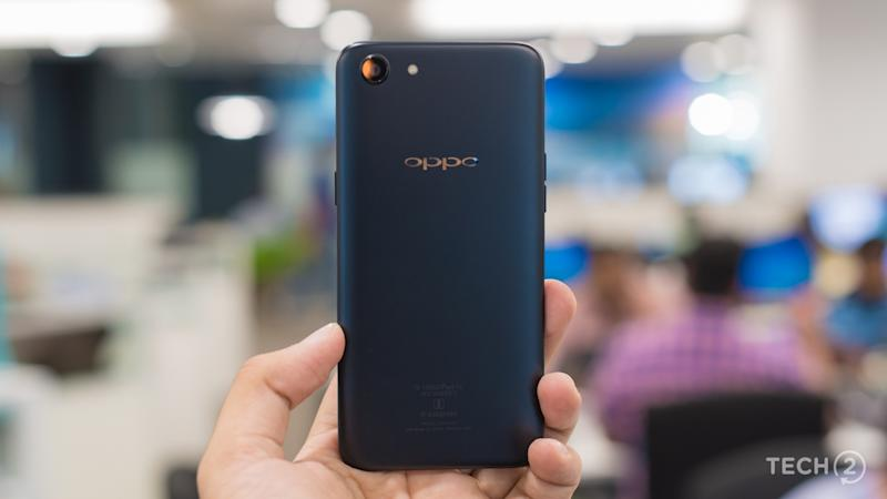 The design of the Oppo A83 sure looks good, but the metal back is a fingerprint magnet. Image: Tech2/Rehan Hooda