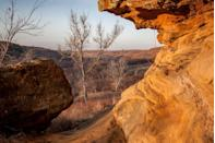 """<p><a href=""""https://www.tripadvisor.com/Attraction_Review-g38884-d2691928-Reviews-Kanopolis_State_Park-Marquette_Kansas.html"""" rel=""""nofollow noopener"""" target=""""_blank"""" data-ylk=""""slk:Kanopolis State Park"""" class=""""link rapid-noclick-resp"""">Kanopolis State Park</a> in Marquette displays every type of Kansas terrain imaginable, from sandstone formations to flat, grassy prairies. </p><p><br><a class=""""link rapid-noclick-resp"""" href=""""https://go.redirectingat.com?id=74968X1596630&url=https%3A%2F%2Fwww.tripadvisor.com%2FAttraction_Review-g38884-d2691928-Reviews-Kanopolis_State_Park-Marquette_Kansas.html&sref=https%3A%2F%2Fwww.countryliving.com%2Flife%2Ftravel%2Fg24487731%2Fbest-hikes-in-the-us%2F"""" rel=""""nofollow noopener"""" target=""""_blank"""" data-ylk=""""slk:PLAN YOUR HIKE"""">PLAN YOUR HIKE</a></p>"""