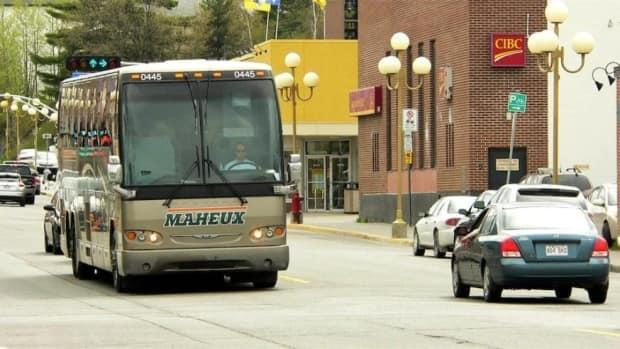 Groupe Autobus Maheux is one of four companies competing to offer bus service between Ottawa-Gatineau and Laval-Montreal. (Radio-Canada Archives - image credit)