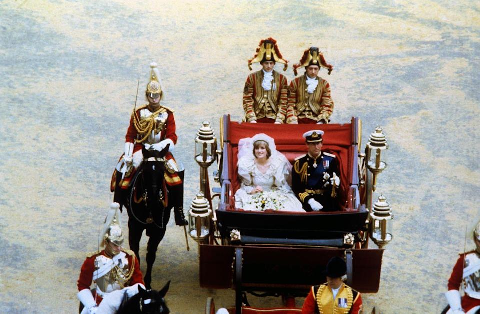 <p>Charles and Diana were greeted by more than 60,000 well-wishers as they made their way from St. Paul's Cathedral to Buckingham Palace. </p>