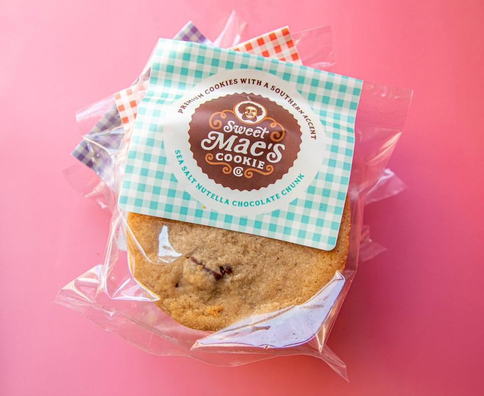 "<h2><a href=""https://sweetmaescookies.com/flavors/"" rel=""nofollow noopener"" target=""_blank"" data-ylk=""slk:Sweet Mae's Cookies"" class=""link rapid-noclick-resp"">Sweet Mae's Cookies</a> </h2><br>At Sweet Mae's, you'll discover flavors you didn't know existed — all in a stuffed cookie. Yes, you heard that right. Stuffed! 100% homemade, some options are traditional while others are unique. Think: sweet potato, peanut butter marshmallow, and bourbon caramel pecan. Mmm."
