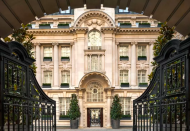 """<p>The five-star <a href=""""https://go.redirectingat.com?id=127X1599956&url=https%3A%2F%2Fwww.booking.com%2Fhotel%2Fgb%2Frosewood-hotel-london.en-gb.html%3Faid%3D2070929%26label%3Ddog-friendly-london-hotels&sref=https%3A%2F%2Fwww.redonline.co.uk%2Ftravel%2Finspiration%2Fg35033360%2Fdog-friendly-hotels-london%2F"""" rel=""""nofollow noopener"""" target=""""_blank"""" data-ylk=""""slk:Rosewood London"""" class=""""link rapid-noclick-resp"""">Rosewood London</a> in Holborn is one of those rare offerings that combines world-class luxury with down-to-earth service and a dog-embracing nature.</p><p>Book a Grand Premier Suite with the Canine Package to enjoy a whole host of complementary services, including a Barbour dog bed, Barbour dog treats and Barbour coats and leads for the duration of the stay (well, would you expect anything less than the most chic accessories here?).</p><p>And, if you weren't already feeling pampered enough, then give your pooch a real taste of the high life with a pampering session while you relax at the sumptuous spa here. </p><p><a class=""""link rapid-noclick-resp"""" href=""""https://go.redirectingat.com?id=127X1599956&url=https%3A%2F%2Fwww.booking.com%2Fhotel%2Fgb%2Frosewood-hotel-london.en-gb.html%3Faid%3D2070929%26label%3Ddog-friendly-london-hotels&sref=https%3A%2F%2Fwww.redonline.co.uk%2Ftravel%2Finspiration%2Fg35033360%2Fdog-friendly-hotels-london%2F"""" rel=""""nofollow noopener"""" target=""""_blank"""" data-ylk=""""slk:CHECK AVAILABILITY"""">CHECK AVAILABILITY </a></p>"""