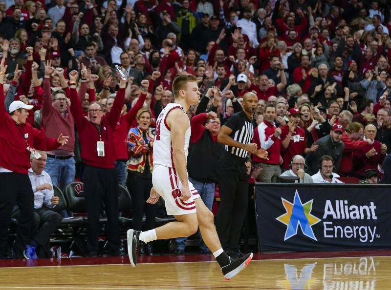 Davison's 3 helps Wisconsin beat No. 17 Maryland