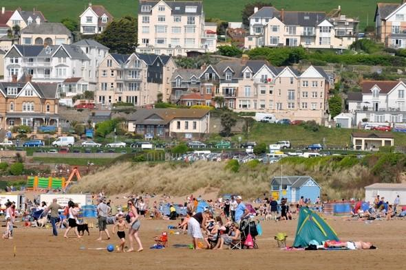 Book a staycation! Indian Summer to 'last until October'