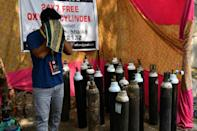 In the slums of Mumbai, Shanawaz Shaikh has provided free oxygen to thousands of people