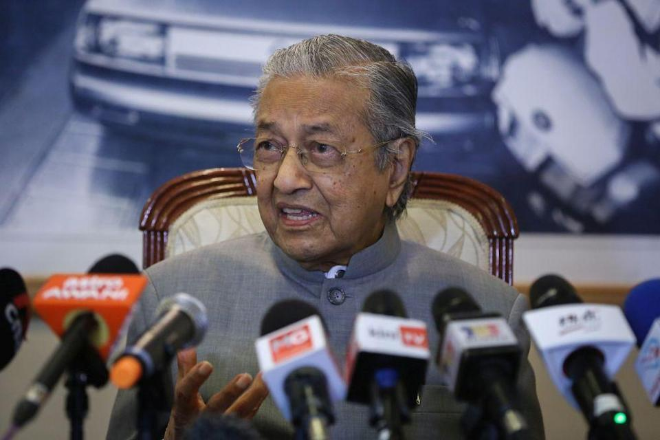 Tun Dr Mahathir Mohamad had hoped to chair the important summit before his Pakatan Harapan government collapsed earlier in February just as the Covid-19 virus began spreading around the world and causing widespread health and economic crises. ― Picture by Yusof Mat Isa
