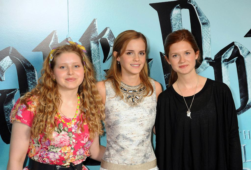 """Jessie Cave, <a href=""""http://movies.yahoo.com/movie/contributor/1802866081"""">Emma Watson</a> and <a href=""""http://movies.yahoo.com/movie/contributor/1808408966"""">Bonnie Wright</a> at the London photocall for <a href=""""http://movies.yahoo.com/movie/1809791044/info"""">Harry Potter and the Half-Blood Prince</a> - 07/06/2009"""