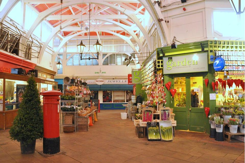 """<p>Oxford's home of independent shopping, the <a href=""""http://oxford-coveredmarket.co.uk/"""" rel=""""nofollow noopener"""" target=""""_blank"""" data-ylk=""""slk:Covered Market"""" class=""""link rapid-noclick-resp"""">Covered Market</a> dates back to the 18th century and is a hub of wonderfully unique retailers. Eating here is an experience you won't find anywhere else in the city, with a huge variety of produce to choose from. </p><p>Kick-start your day with a full English breakfast at Browns, watch the skilled bakers of The Cake Shop create masterpieces and quench your thirst at a juice bar, coffee shop or the rooftop cocktail bar.</p>"""