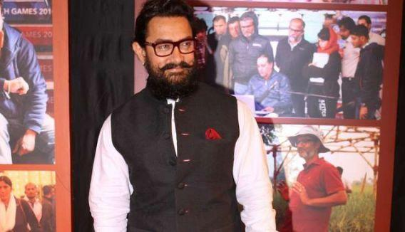 <p>Aamir Khan, who charged 50 crores for Dangal, is in the second position. </p>