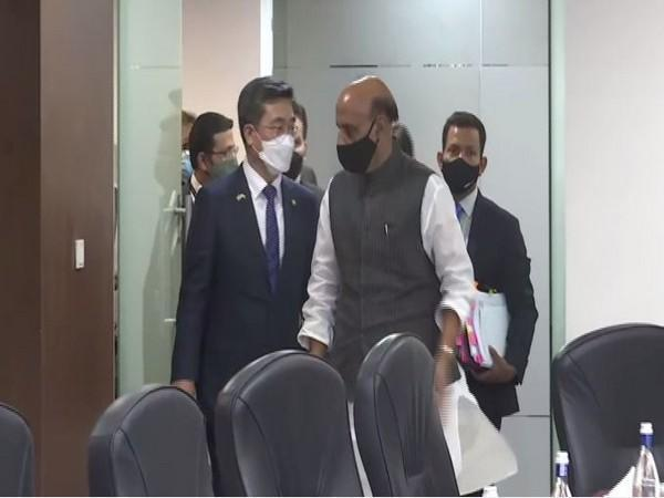 South Korean Defence Minister Suh Wook with his counterpart Rajnath Singh in New Delhi on Friday.