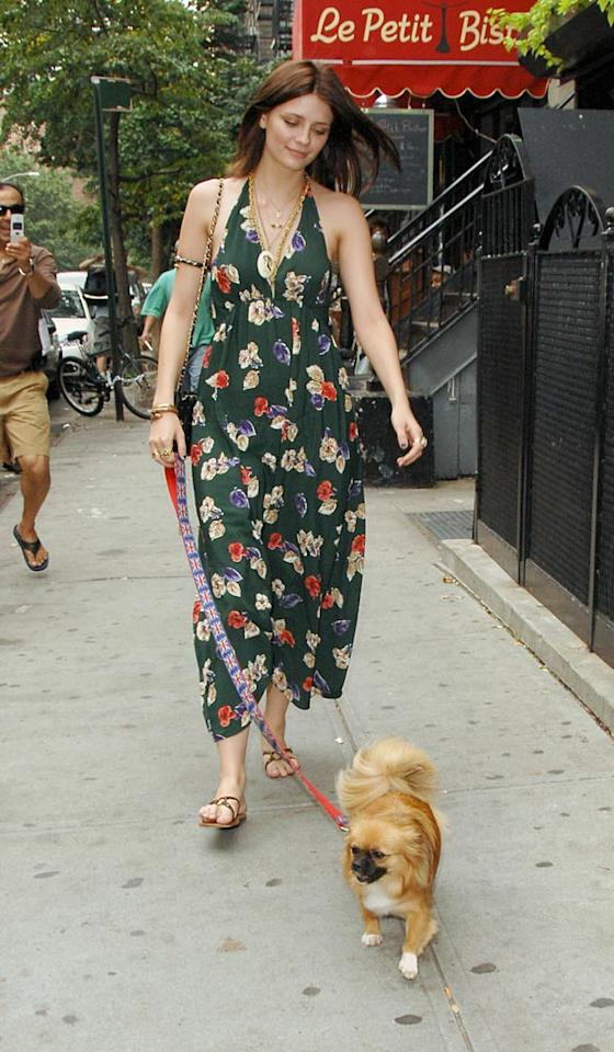 "Mischa Barton's sundress is perfect for a lazy, summer day in New York City. Ronald Asadorian/<a href=""http://www.splashnewsonline.com/"" target=""new"">Splash News</a> - August 7, 2007"