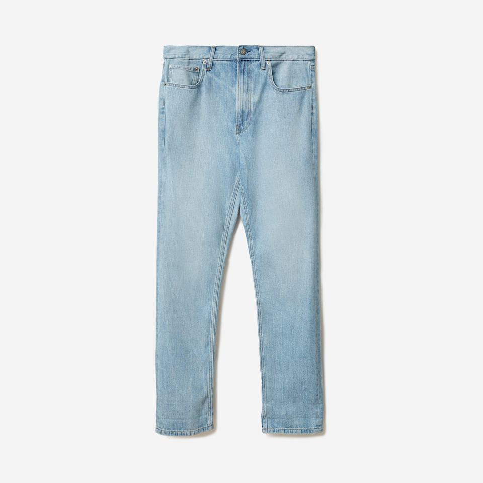 """<p><strong>Everlane</strong></p><p>everlane.com</p><p><strong>$41.00</strong></p><p><a href=""""https://go.redirectingat.com?id=74968X1596630&url=https%3A%2F%2Fwww.everlane.com%2Fproducts%2Fmens-summer-jean-faded-skyblue&sref=https%3A%2F%2Fwww.esquire.com%2Fstyle%2Fmens-fashion%2Fg33391536%2Feverlane-summer-sale%2F"""" rel=""""nofollow noopener"""" target=""""_blank"""" data-ylk=""""slk:Buy"""" class=""""link rapid-noclick-resp"""">Buy</a></p><p>Jeans with just the right amount of slouch. </p>"""